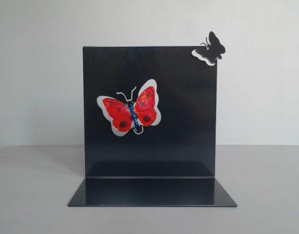 828vli33 gedenk urn vlinder
